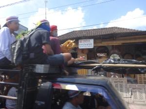 Bali_Enterro